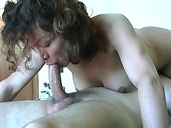 Mature shemale jumps on dick n cums