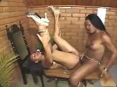 Black shemale cums on face of cutie